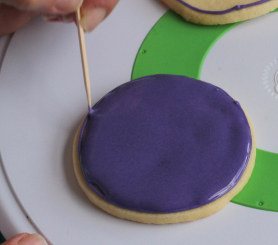 Finish filling in the cookie