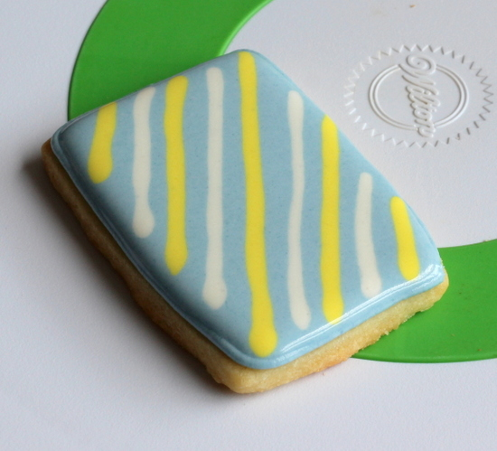 Flat lines on royal icing