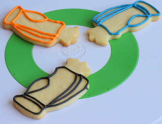 Outline the golf bag cookies