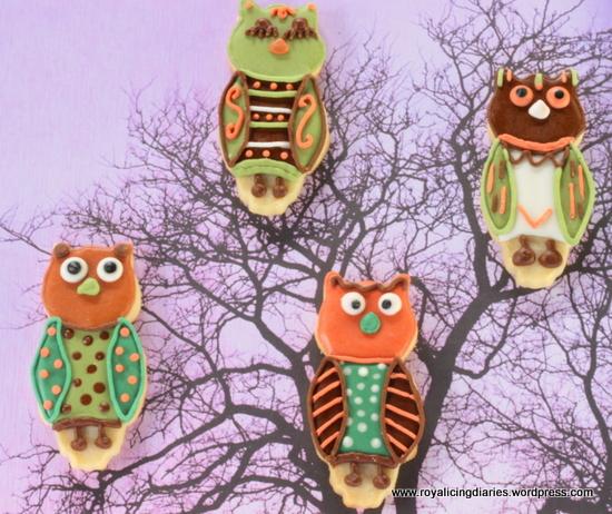 Owl cookies in the tree